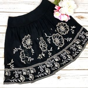 White House Black Market Free Flowing Mini Skirt